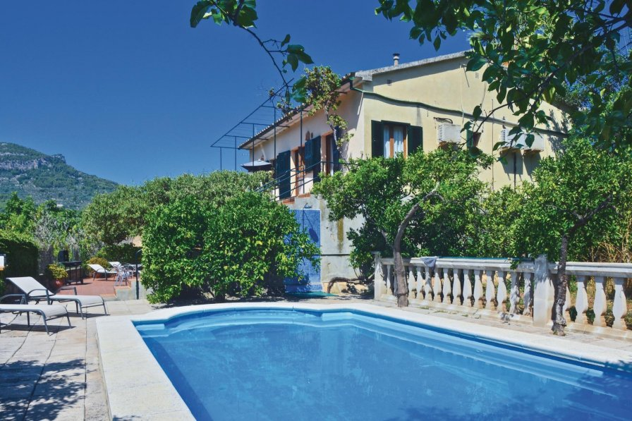 Villa To Rent In S Ller Majorca With Swimming Pool 191881
