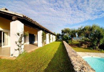 Villa in Messonghi, Corfu