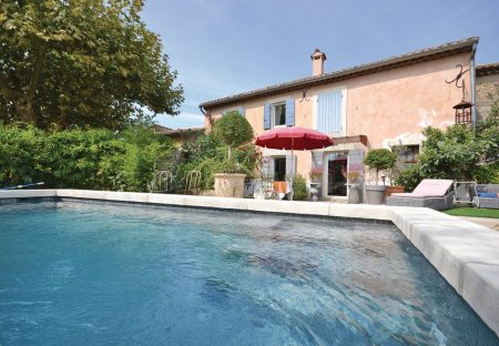 Villa in Cheval-Blanc, the South of France