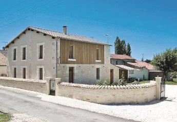 Villa in Saint-Sigismond, France: