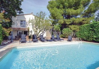 Villa in L'Isle-sur-la-Sorgue, the South of France