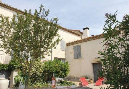Villa in Bellegarde, the South of France