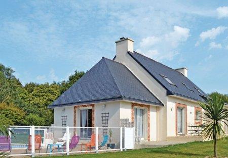 Villa in Saint-Évarzec, France