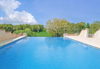 Villa in Montignac-le-Coq, France