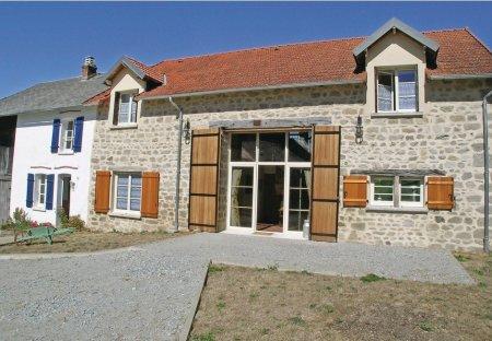 Villa in Saint-Dizier-Leyrenne, France