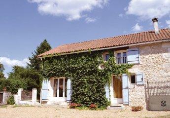 Villa in La Chapelle-Faucher, France