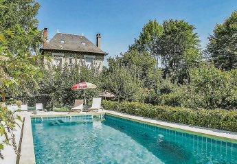Villa in Urbain, France: