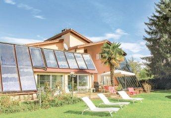 Villa in Saint-Étienne-de-Saint-Geoirs, France