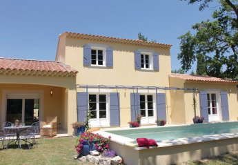 Villa in Velleron, the South of France