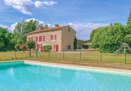 Villa in Saint-Maixent-de-Beugné, France