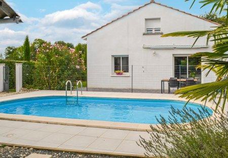 Villa in Le Pizou, France