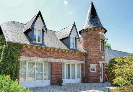 Villa in Roisel, France: