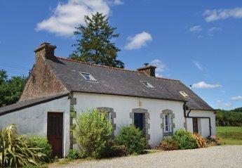Villa in Poullaouen, France