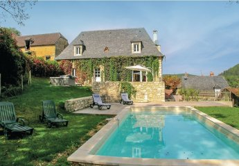 Villa in Coly, France: