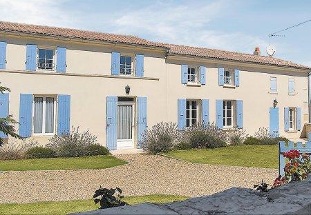 Villa in Romegoux, France