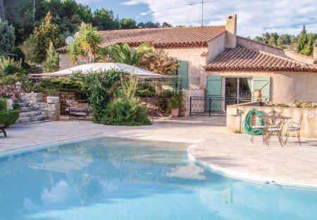 Villa in Solliès-Toucas, the South of France