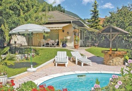 Villa in Cruet, France: OLYMPUS DIGITAL CAMERA