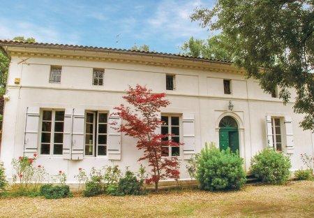Villa in Saint-Médard-de-Mussidan, France
