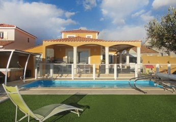 Villa in Valros, the South of France