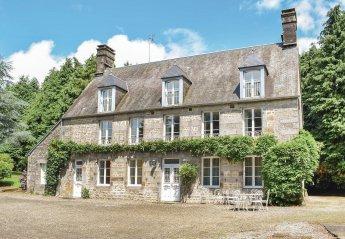 Villa in Saint-Clément-Rancoudray, France