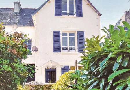 Villa in Saint-Thois, France