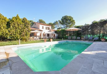 Villa in Les Colles-Camp Lauvas-Font de l'Orme, the South of France