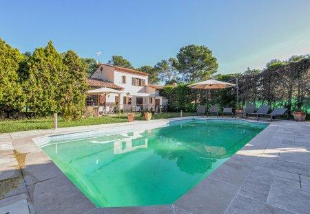 Villa in Les Colles-Camp Lauvas-Font de l'Orme, the South of France