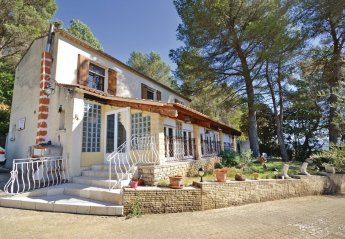 Villa in Lioux, the South of France