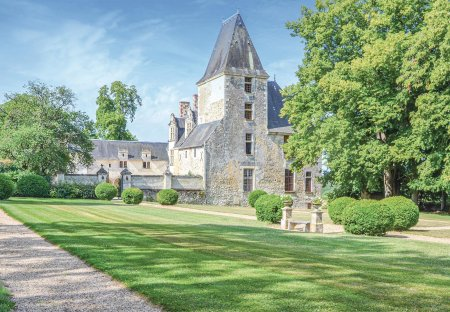 Villa in Cheillé, France:
