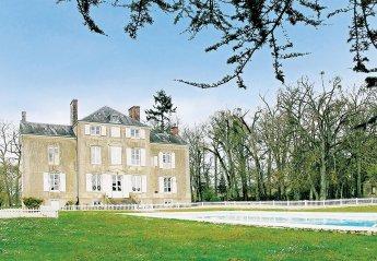 Villa in Saint-Michel-de-Chavaignes, France: