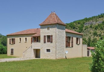 Villa in Luzech, the South of France: