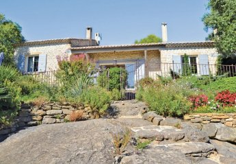 Villa in Saint-Hippolyte-le-Graveyron, the South of France