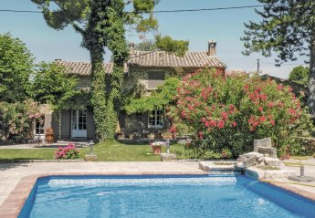 Villa in Beaumes-de-Venise, the South of France
