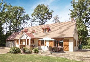 Villa in Pullay, France