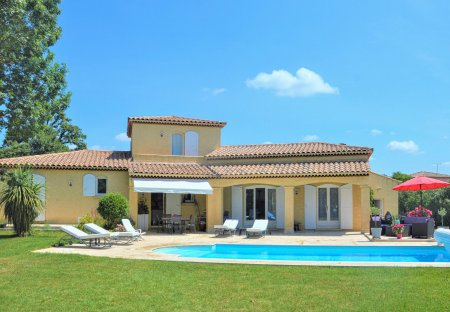 Villa in Lamanon, the South of France