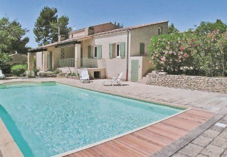 Villa in Lauris, the South of France:
