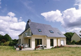 Villa in Combrit, France:
