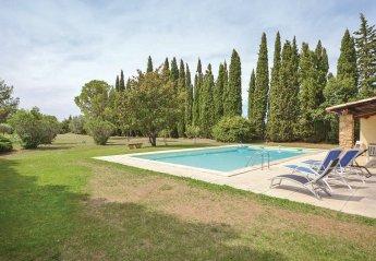 Villa in Camaret-sur-Aigues, the South of France
