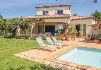 Villa in Montimas, the South of France