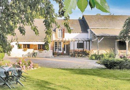 Villa in Moléans, France