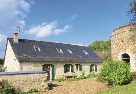 Villa in Neuillé, France