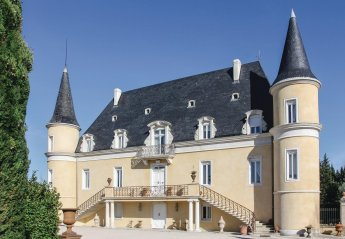 Villa in Pont-Saint-Esprit, the South of France