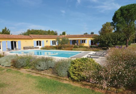 Villa in Mouriès, the South of France