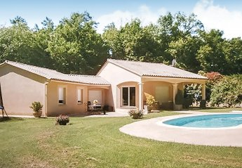 Villa in Savignac-les-Églises, France