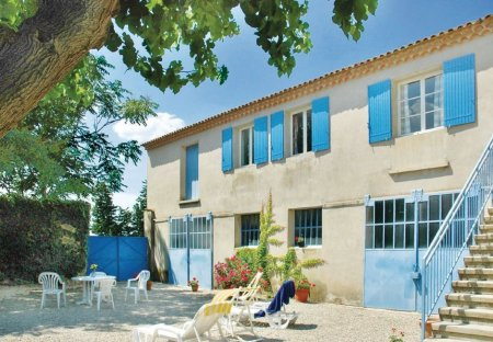 Villa in Sainte-Cécile-les-Vignes, the South of France