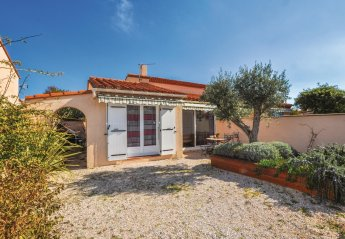 Villa in Saint-Cyprien Peripherie, the South of France