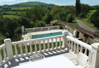 Villa in Épertully, France