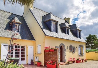 Villa in Cléder, France