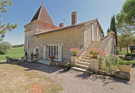 Villa in Villeneuve-sur-Vère, the South of France
