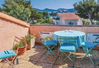 Apartment in Saint-Cyr-sur-Mer, the South of France